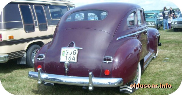1947 Plymouth Special DeLuxe 4d Sedan back