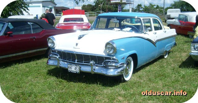 1956 Ford Fairlane 4d Town Sedan front
