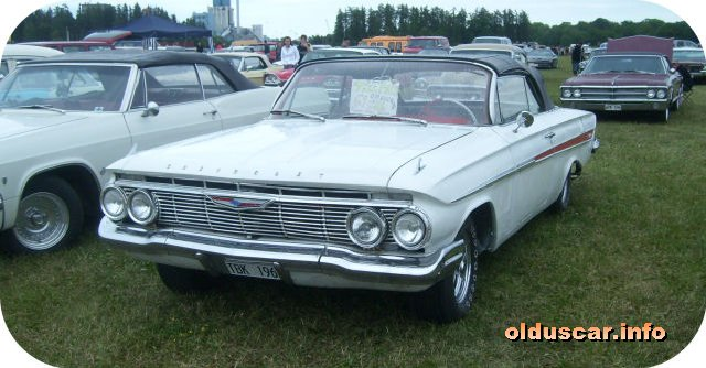 1961 Chevrolet Impala Convertible Coupe front