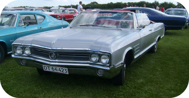 1965 Buick Wildcat DeLuxe Convertible Coupe front