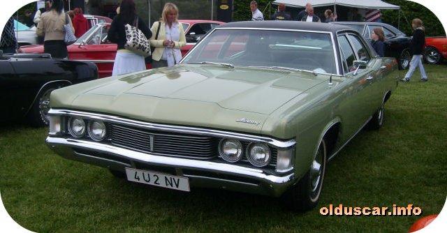 Mercury Monterey Custom D Sedan Front
