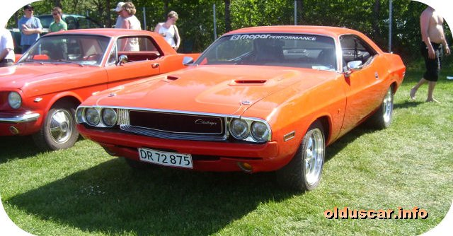 1970 Dodge Challenger Hardtop Coupe front